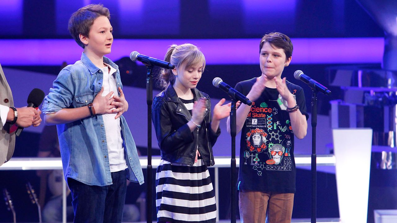 The-Voice-Kids-epi04-Finn-Thea-Sean-17-SAT1-Richard-Huebner - Bildquelle: SAT.1/Richard Hübner