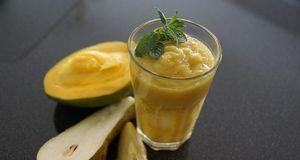 Mit einem Frucht-Smoothie starten Sie gesund in den Tag. Tipp: Variieren Sie...