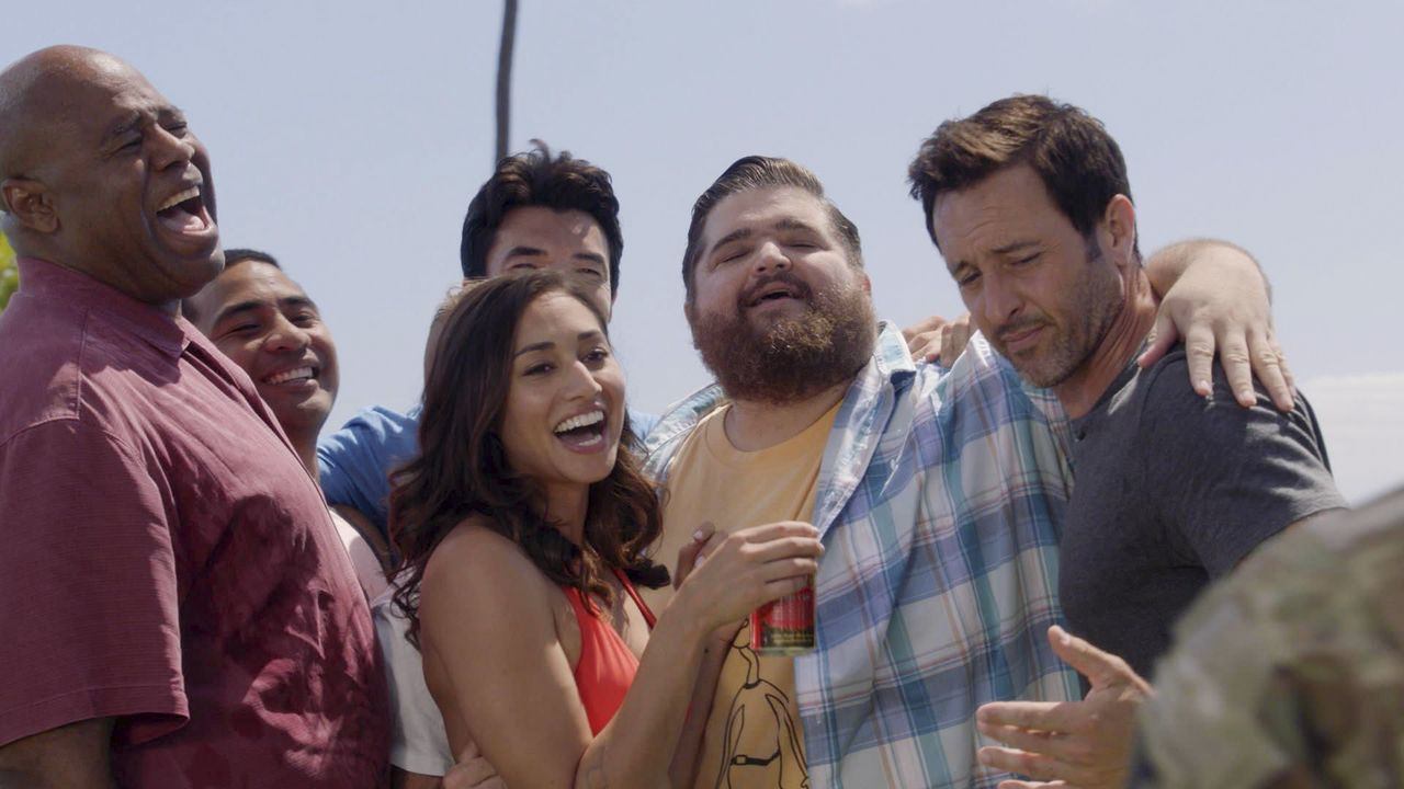 (v.l.n.r.) Lou Grover (Chi McBride); Junior Reigns (Beulah Koale); Adam Noshimuri (Ian Anthony Dale); Tani Rey (Meaghan Rath); Jerry Ortega (Jorge G... - Bildquelle: 2019 CBS Broadcasting, Inc. All Rights Reserved.