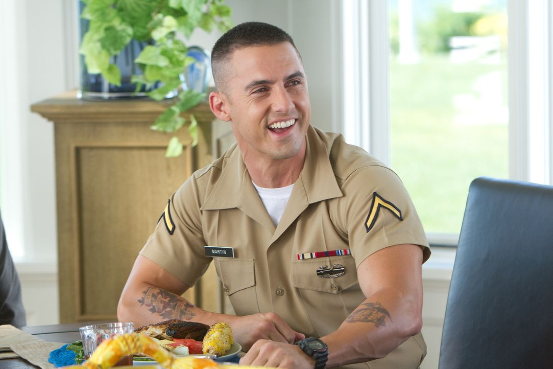 Jamies Bruder Chad (Milo Ventimiglia) teilt mit seiner Schwester ein dunkles Geheimnis, von dem der arglose Todd keine Ahnung hat ... - Bildquelle: 2012 Columbia Pictures Industries, Inc. All Rights Reserved.
