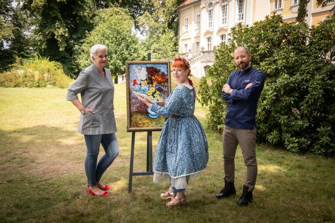 (v.l.n.r.) Bettina Schliephake-Burchardt; Enie van de Meiklokjes; Christian Hümbs - Bildquelle: Claudius Pflug SAT.1 / Claudius Pflug