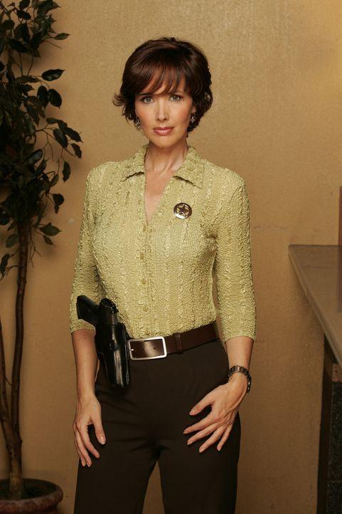 Im Wettlauf mit der Zeit: Spurensicherungsexpertin Kay Austin (Janine Turner)... - Bildquelle: CBS Television