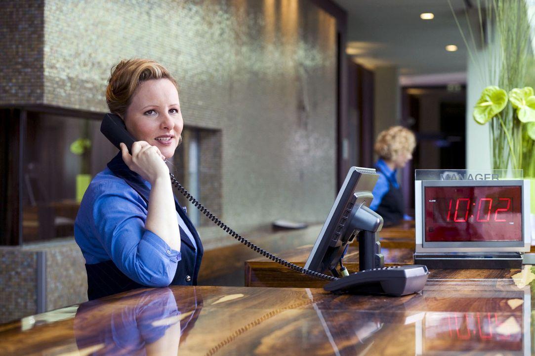In einem Hotel haben Service und Freundlichkeit die oberste Priorität. Was aber, wenn ein Hotelgast schon am frühen Morgen Telefonterror betreibt? I... - Bildquelle: Guido Engels Sat.1