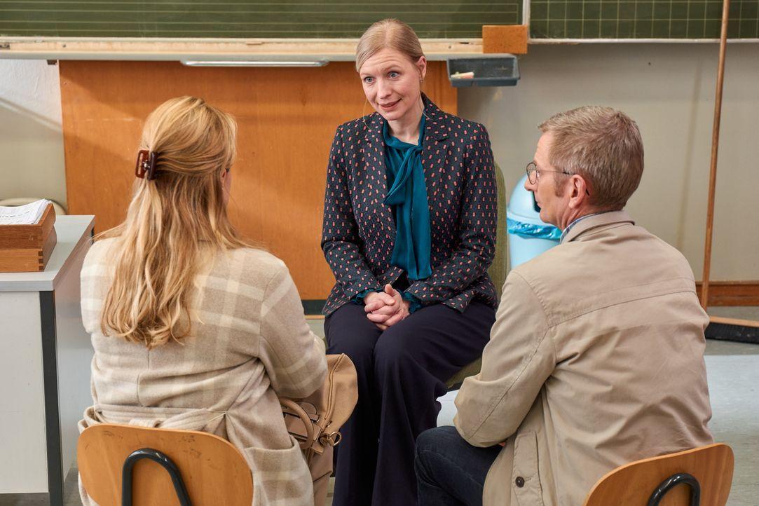 (v.l.n.r.) Ursula (Isabella Schmid); Anke (Antje Widdra); Stefan (Michael Kessler) - Bildquelle: Frank Dicks SAT.1 / Frank Dicks