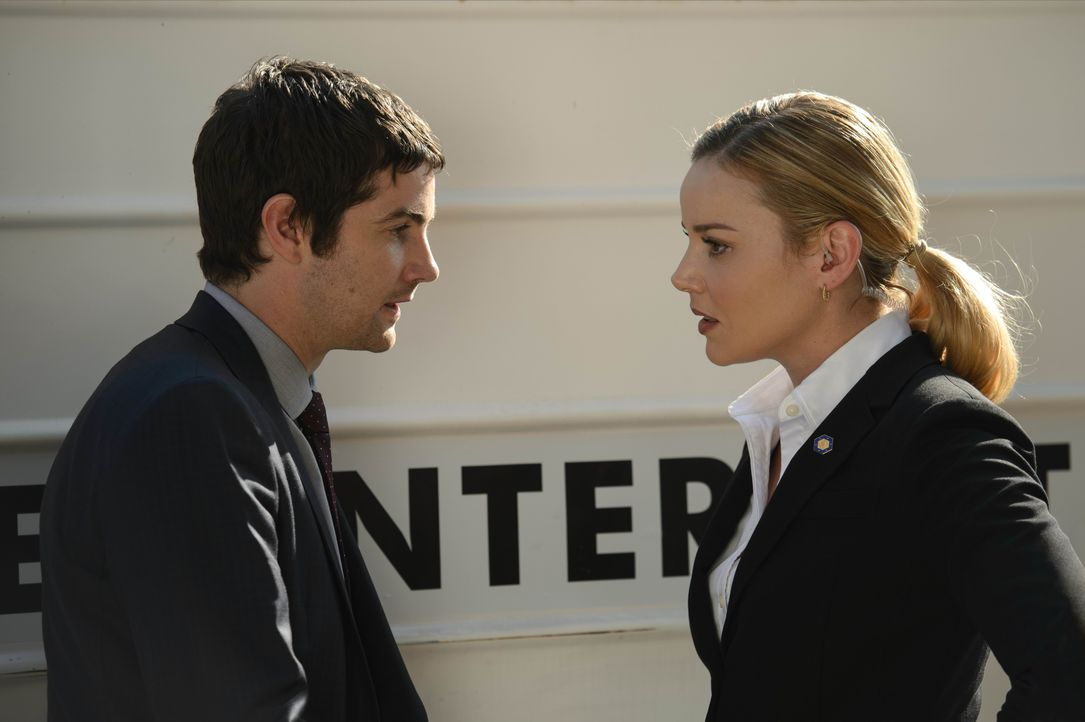 Max Lawson (Jim Sturgess, l.); Sarah Wilson (Abbie Cornish, r.) - Bildquelle: 2017 Warner Bros. Entertainment Inc., Skydance Productions, LLC and RatPac-Dune Entertainment LLC. All Rights Reserved.