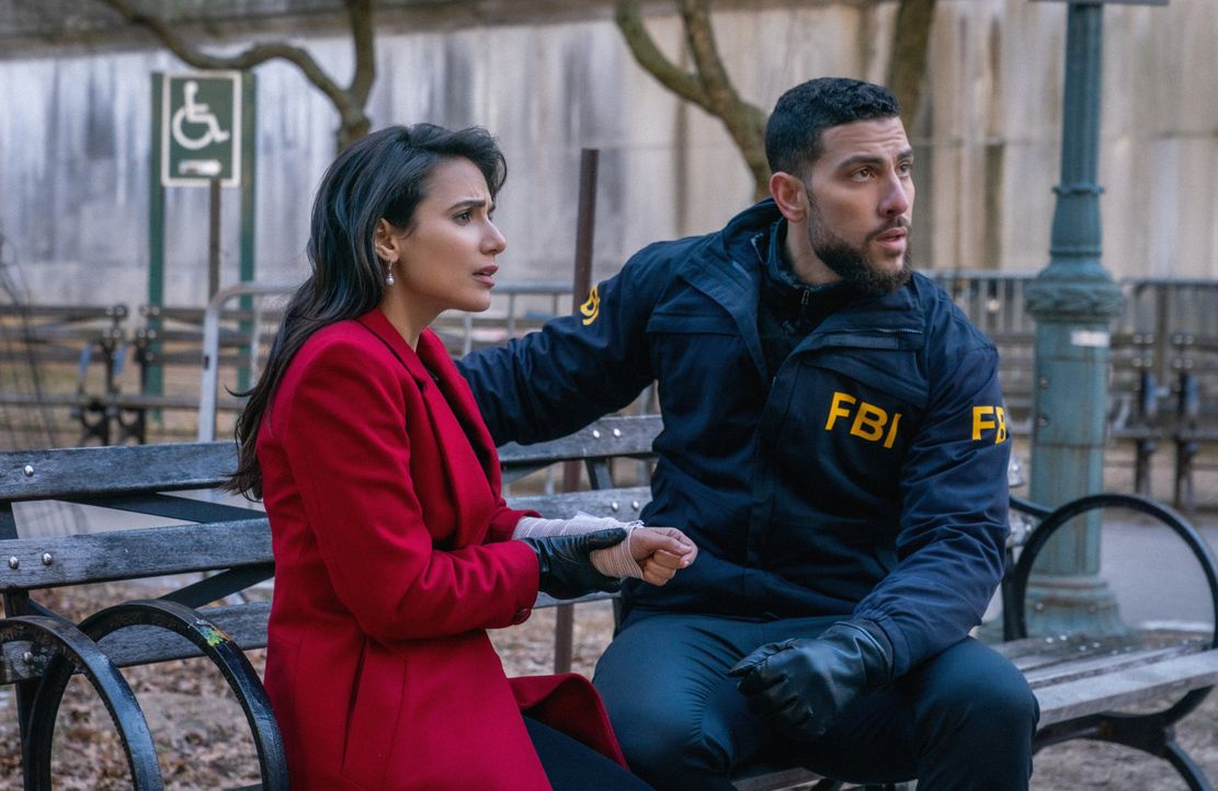 Mona Nazari (Yasmine Aker, l.); Omar Adom 'OA' Zidan (Zeeko Zaki, r.) - Bildquelle: Michael Parmelee 2020 CBS Broadcasting, Inc. All Rights Reserved / Michael Parmelee