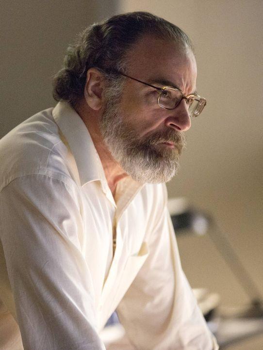 Hofft, dass Brody seine Mission meistert: Saul (Mandy Patinkin) ... - Bildquelle: 2013 Twentieth Century Fox Film Corporation. All rights reserved.