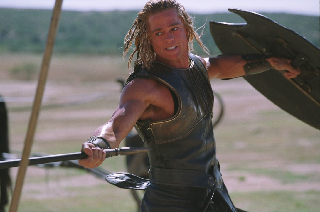 Es heißt, er sei wie seine göttliche Mutter unsterblich. Ein Irrtum, wie Achilles (Brad Pitt) schon bald erfahren muss ... - Bildquelle: Warner Brothers International Television