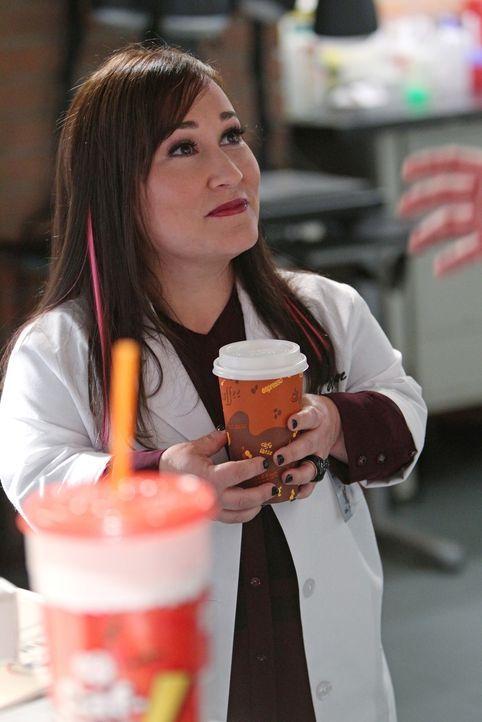 Steht Abby bei der Suche nach dem Ursprung einer Krankheit bei: Carol (Meredith Eaton) ... - Bildquelle: CBS Television