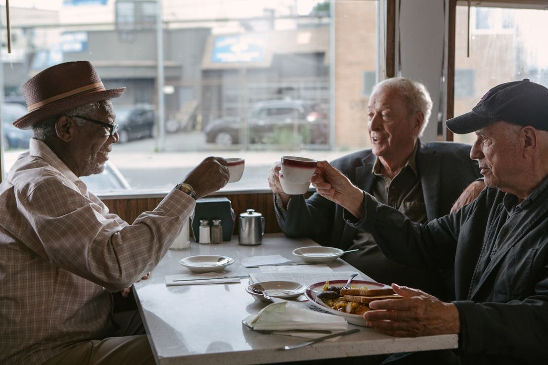 (v.l.n.r.) Willie Davis (Morgan Freeman); Joe Harding (Michael Caine); Albert Garner (Alan Arkin) - Bildquelle: 2017 Warner Bros. Entertainment Inc., RatPac-Dune Entertainment LLC, and Village Roadshow Films North America Inc. All rights reserved.