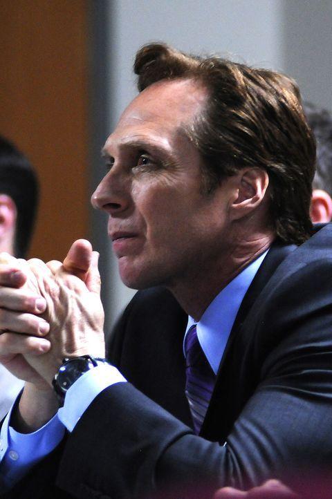 Das sehende Auge der Operation und gleichzeitig Empfänger für die Befehle des US-Präsidenten: Guidry (William Fichtner) ... - Bildquelle: 2012, Falcom Media