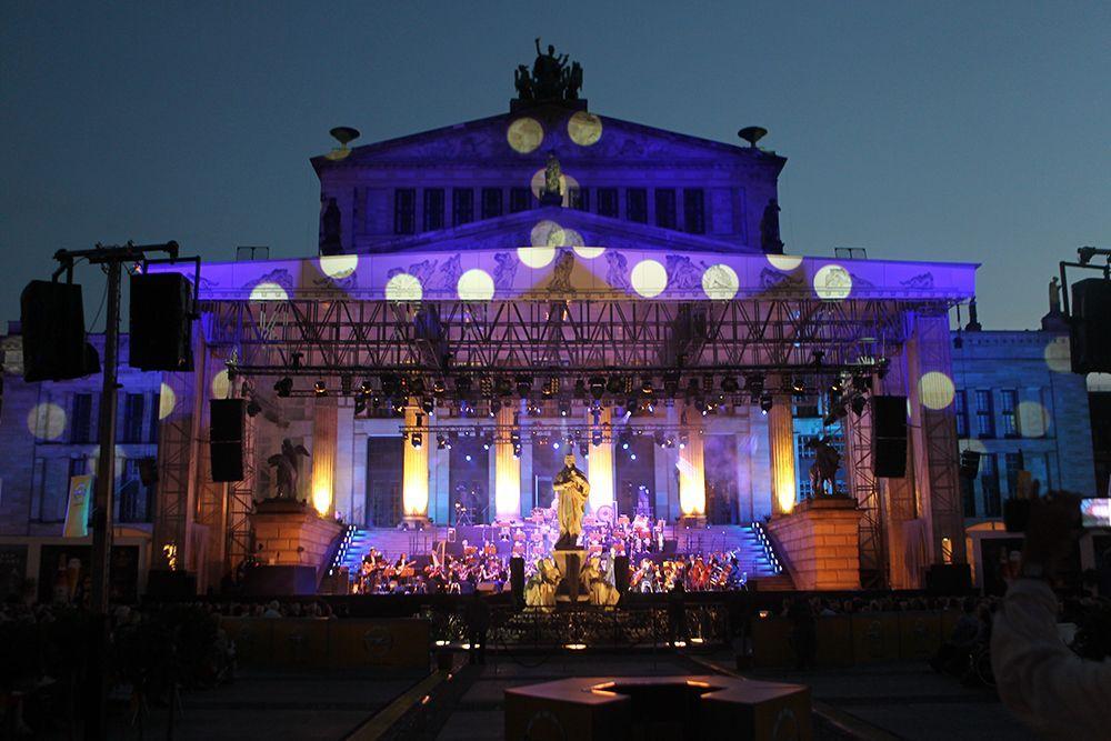 Orchester am Gendarmenmarkt - Bildquelle: DAVIDS