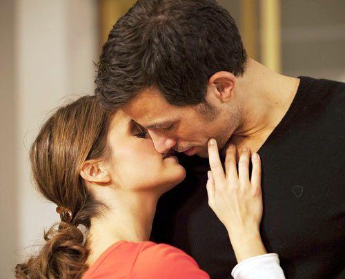 Bea und Michael wollen sich zwar Zeit lassen, doch der leidenschaftliche Kuss verändert alles ... - Bildquelle: David Saretzki - Sat1