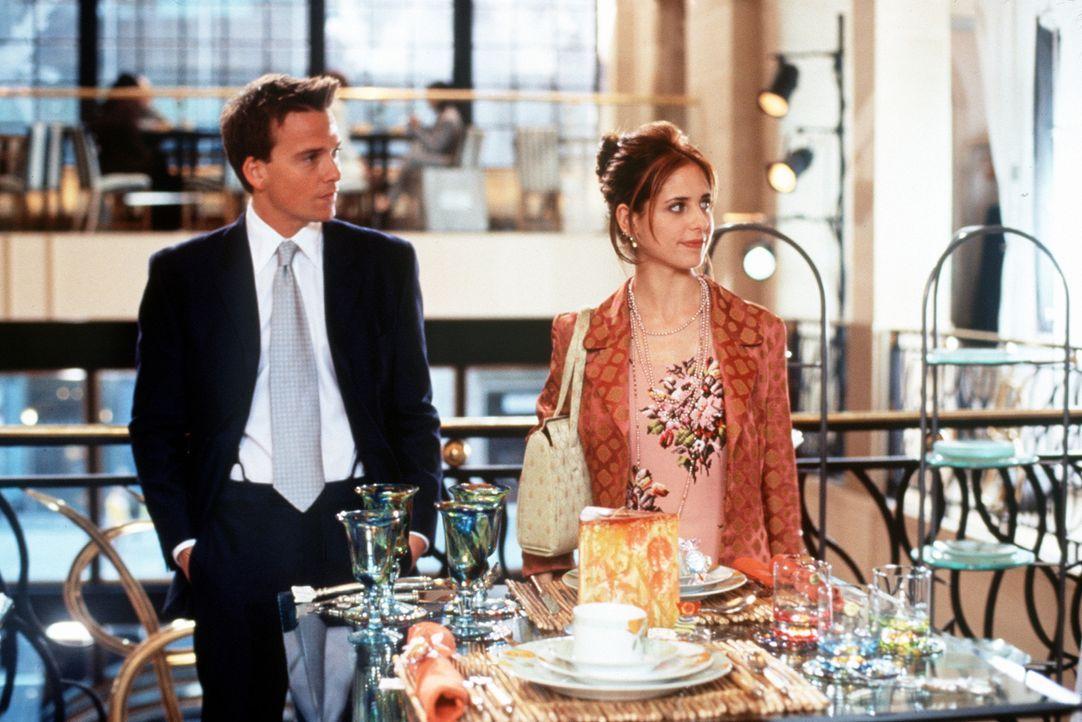 Amandas (Sarah Michelle Gellar, r.) Restaurant steht unmittelbar vor dem Ruin. Doch dann lernt sie den Geschäftsführer eines großen Kaufhauses, T... - Bildquelle: 20th Century Fox