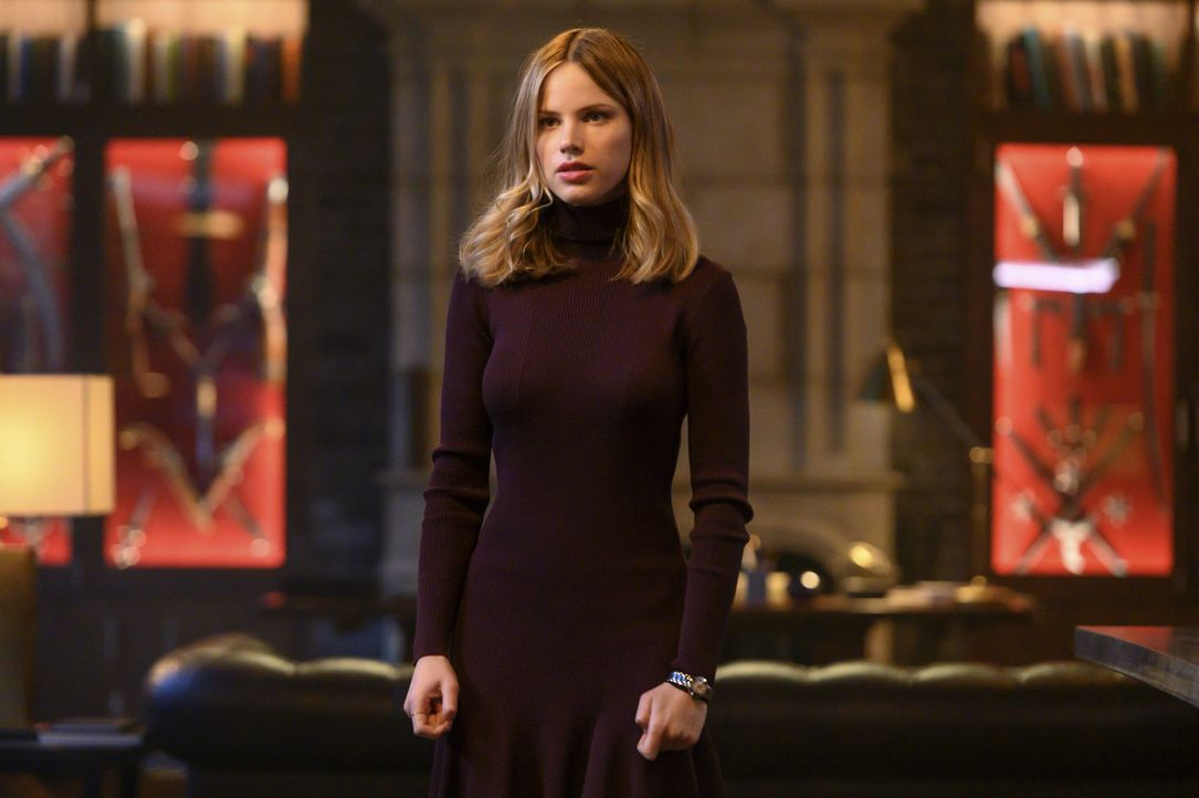 Ainsley Whitly (Halston Sage) - Bildquelle: 2020 Warner Bros. Entertainment Inc. All Rights Reserved.