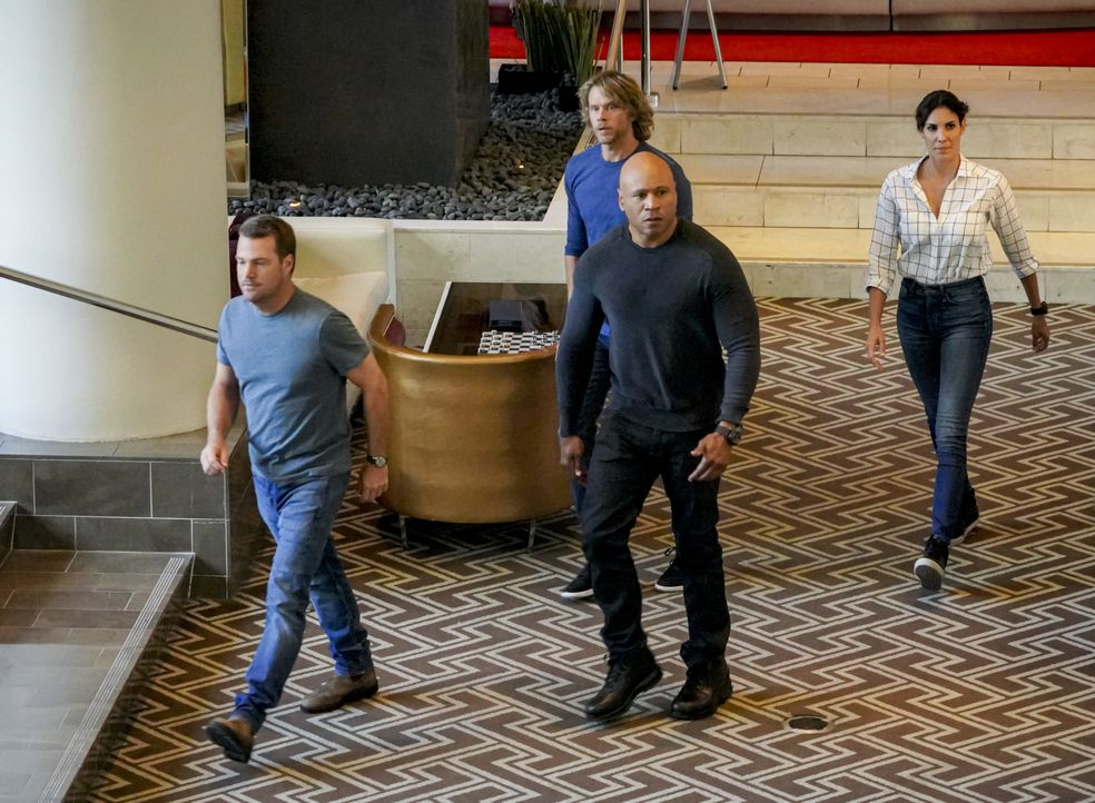 (v.l.n.r.) G. Callen (Chris O'Donnell); Marty Deeks (Eric Christian Olsen); Sam Hanna (LL Cool J); Kensi Blye (Daniela Ruah) - Bildquelle: Bill Inoshita 2019 CBS Broadcasting, Inc. All Rights Reserved. / Bill Inoshita