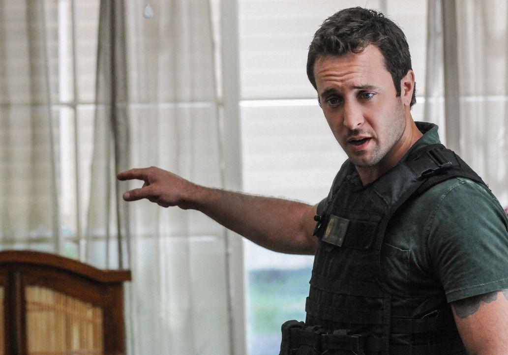 Gibt alles, um einen neuen Fall zu lösen: Steve (Alex O'Loughlin) ... - Bildquelle: 2013 CBS Broadcasting, Inc. All Rights Reserved.