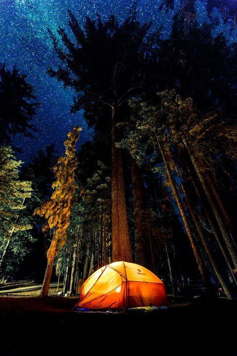 Tipp 8: Im Freien schlafenEine Nacht im Freien schlafen: Matratze raus in de...