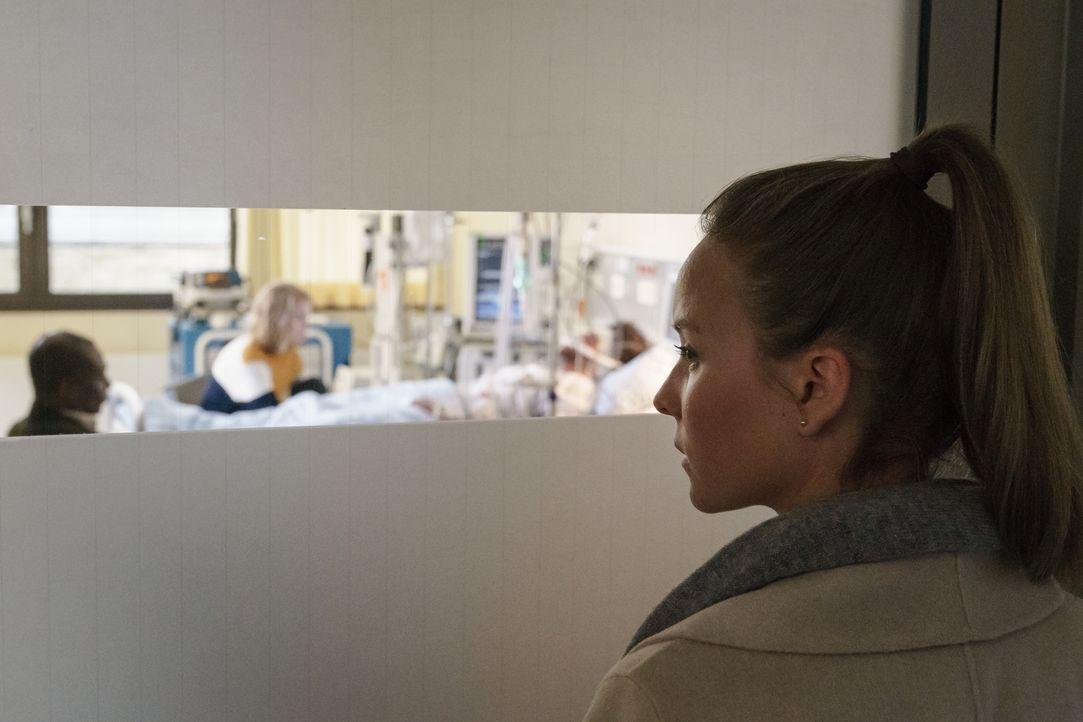 Jessica Maurer (Sonja Gerhardt) - Bildquelle: Stefan Erhard SAT.1/Stefan Erhard