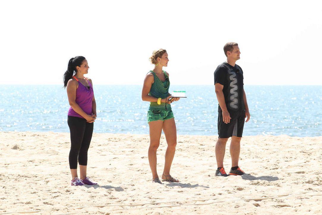 Sorgen für knallharte Trainingseinheiten: Christine Theiss (M.), Silke Kayadelen (l.) und Ramin Abtin (r.) ... - Bildquelle: Enrique Cano SAT.1
