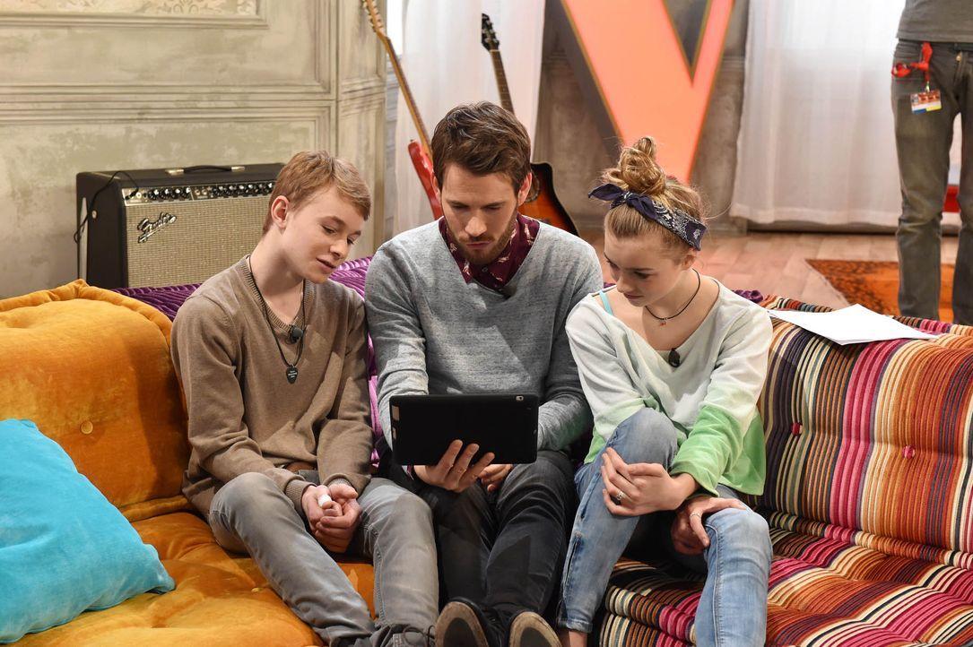 The-Voice-Kids-Stf03-Epi05-19-Tamino-Julie-SAT1-Andre-Kowalski - Bildquelle: SAT.1/ Andre Kowalski
