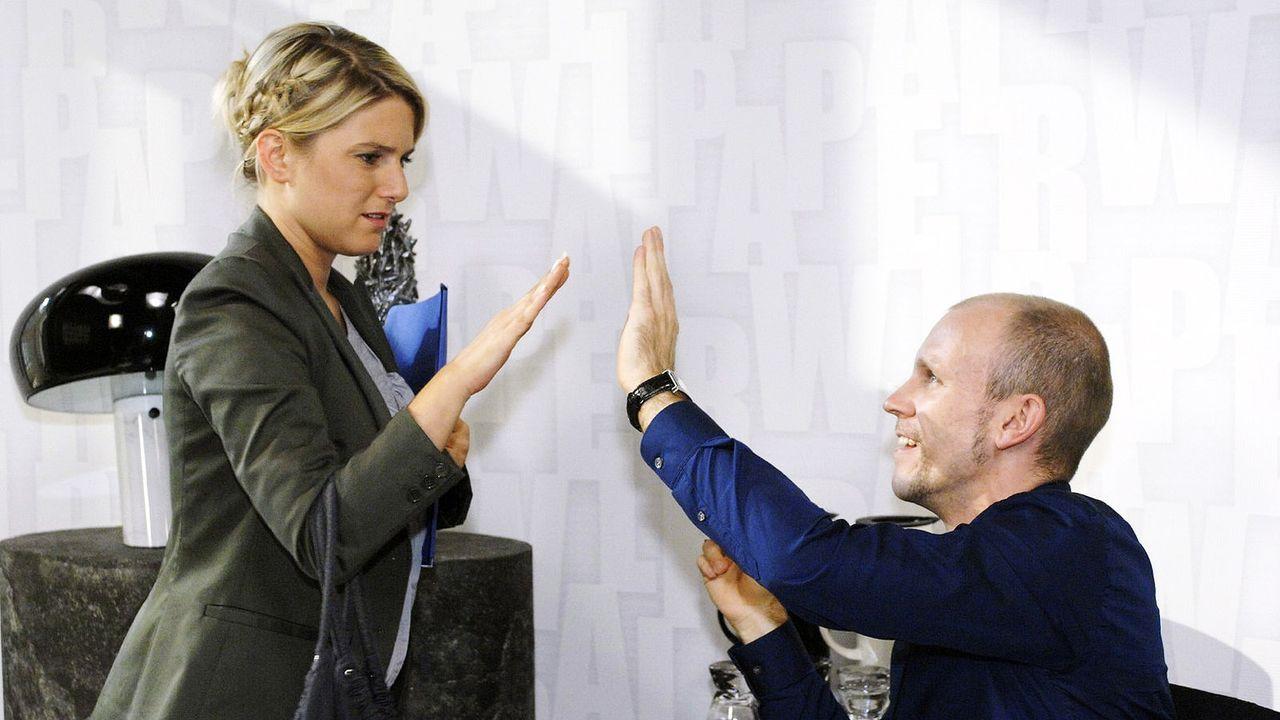 Anna-und-die-Liebe-Folge-23-01-sat1-oliver-ziebe - Bildquelle: SAT.1/Oliver Ziebe
