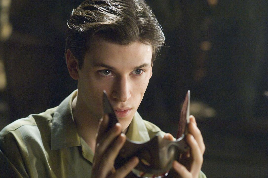 Niemand kann ihn aufhalten: Schon bald wird aus dem jungen Hannibal (Gaspard Ulliel) das personifizierte Böse und ein skrupelloser kannibalischer Se... - Bildquelle: Tobis Film