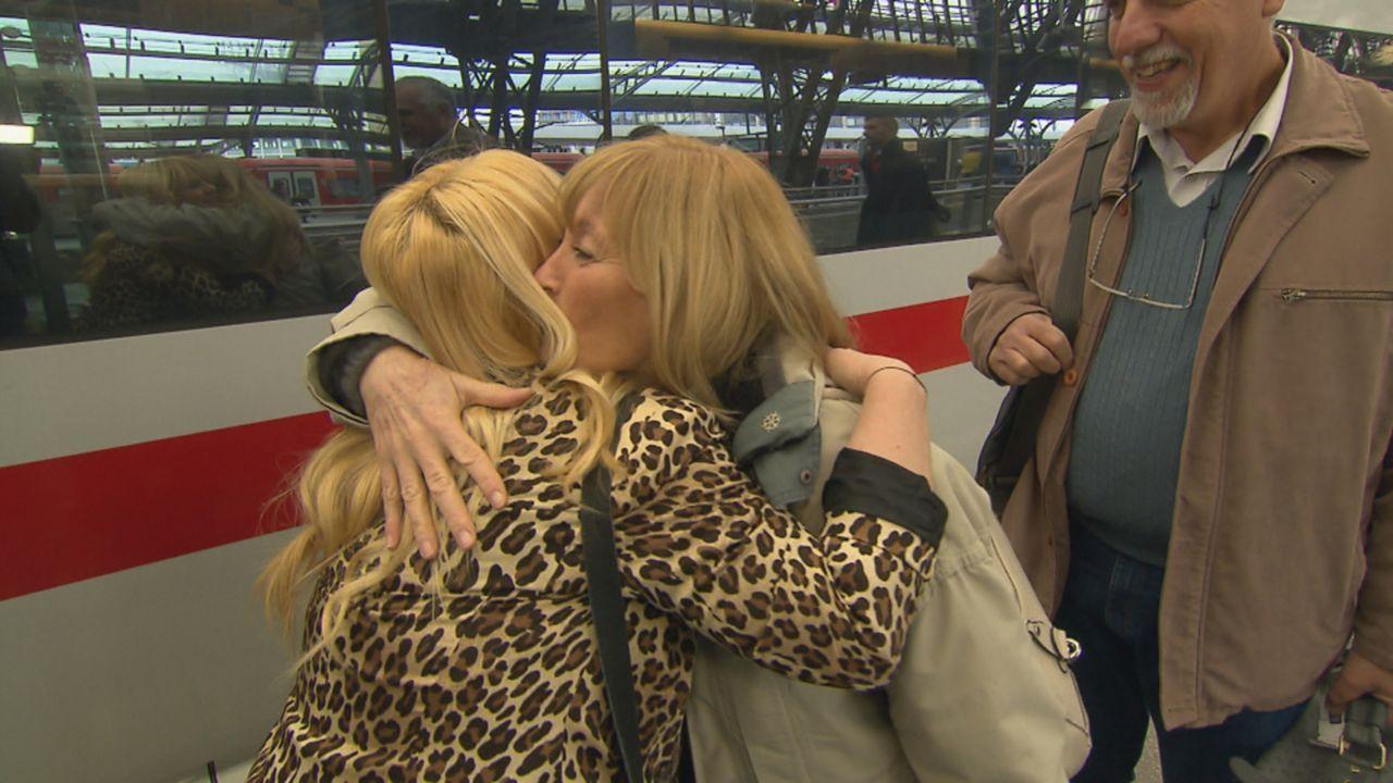 Ende der 70er Jahre führt das Schicksal die 17-jährige Austauschschülerin Claudia (M.) aus Argentinien und ihre Gastmutter Christel in Cuxhaven zusa... - Bildquelle: SAT.1
