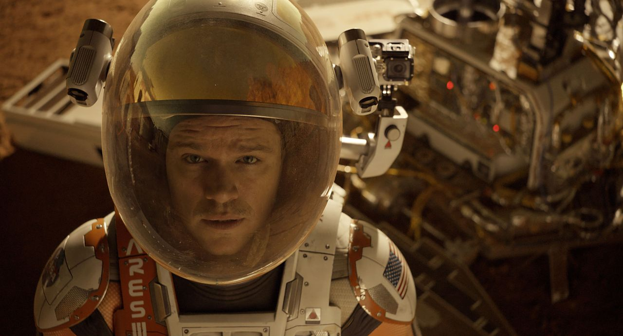 Als der NASA klar wird, dass Botaniker Mark Watney (Matt Damon) den katastrophalen Sandsturm auf dem Mars wider Erwarten überlebt hat, startet eine... - Bildquelle: 2015 Twentieth Century Fox Film Corporation. All rights reserved.