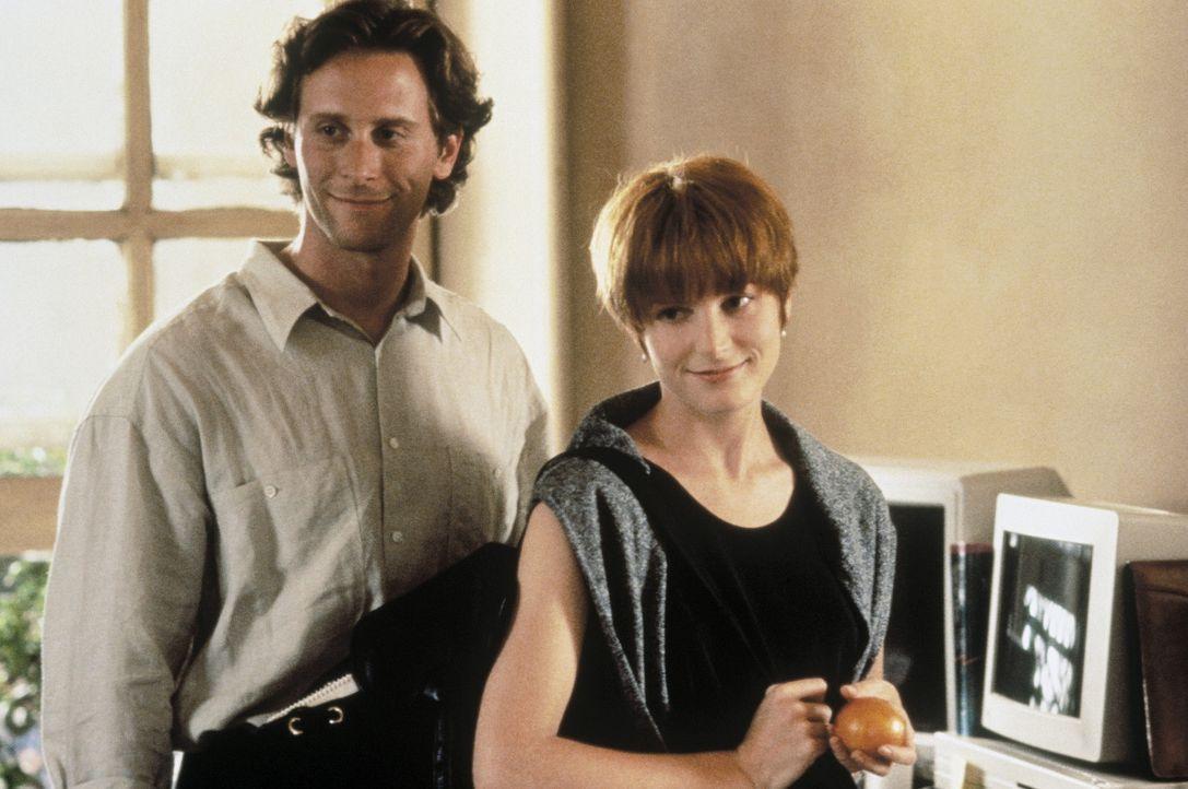 Als sich Sam (Steven Weber, l.) und Allison (Bridget Fonda, r.) wieder versöhnen, hat das weitreichende Konsequenzen ... - Bildquelle: Columbia Pictures