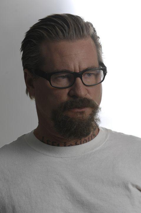 Der Serienmörder John Smith (Val Kilmer) setzt alles daran, dass das FBI von den brutalen Machenschaften des Gefängniswärters Lt. Jackson erfähr... - Bildquelle: 2008 Worldwide SPE Acquisitions Inc. All Rights Reserved.