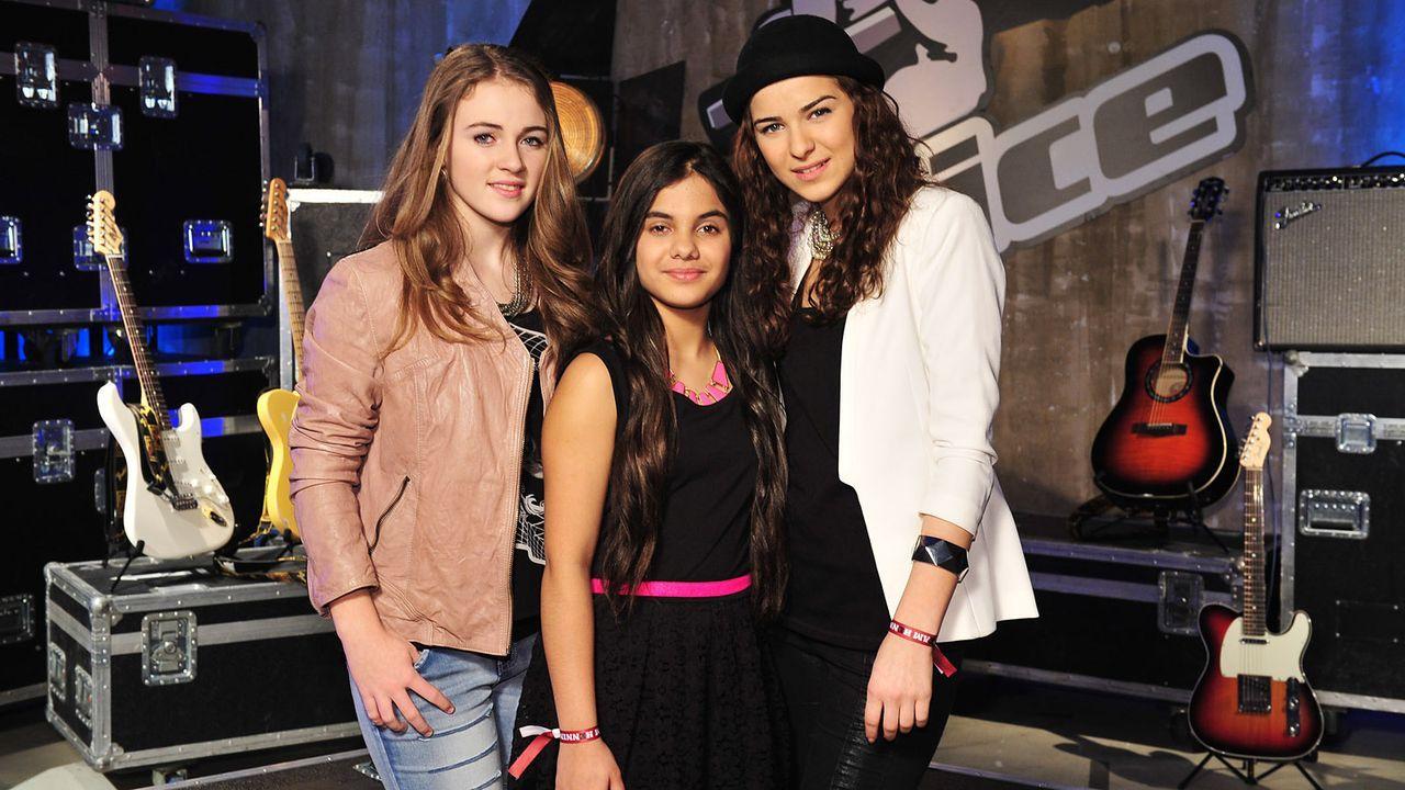 The-Voice-Kids-Stf02-Epi05-Melissa-Naomi-Ilayda-2-SAT1-Andre-Kowalski - Bildquelle: SAT.1/Andre Kowalski