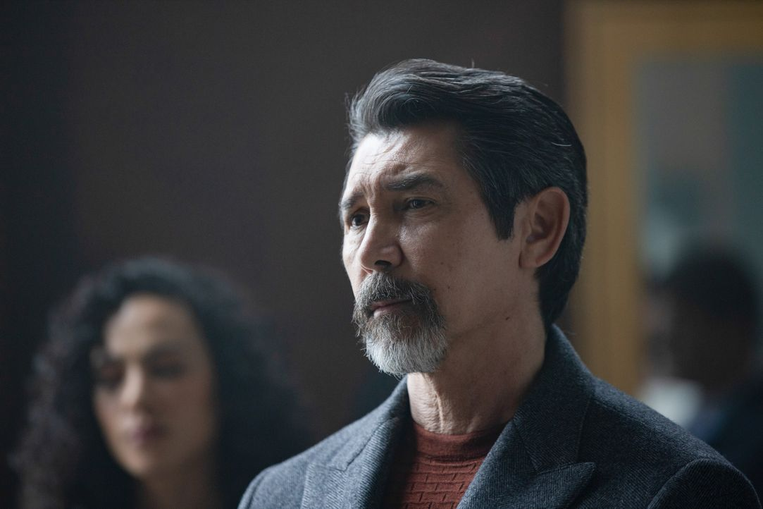 Gil Arroyo (Lou Diamond Phillips) - Bildquelle: 2019 Warner Bros. Entertainment Inc. All Rights Reserved.