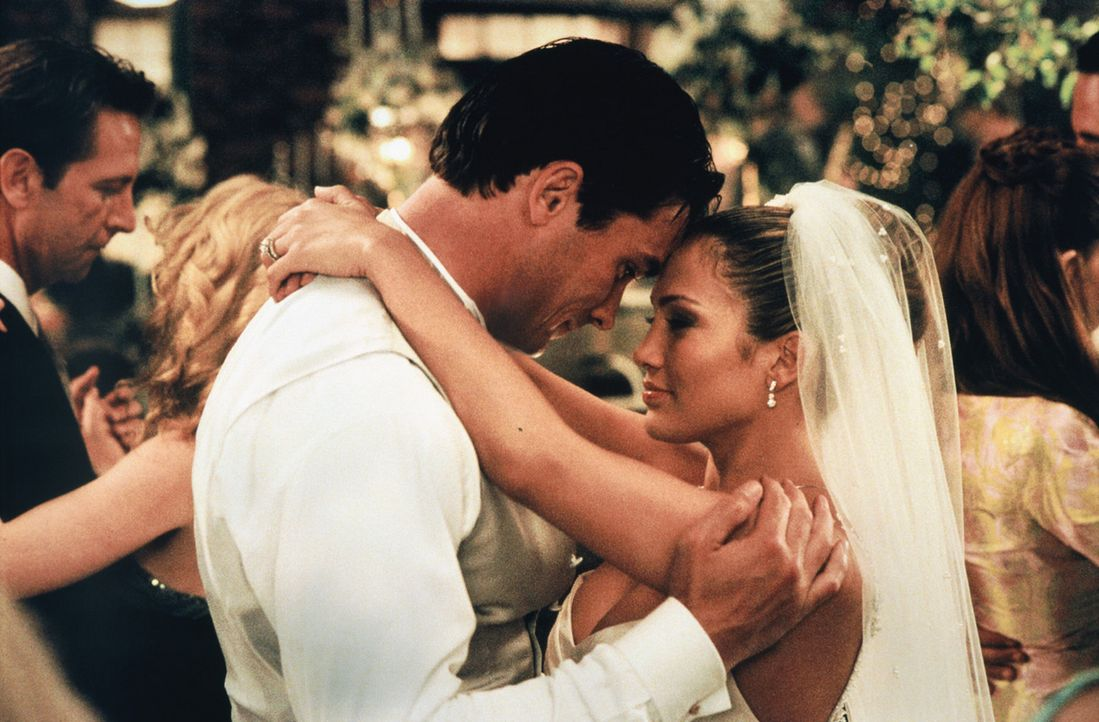 Noch ist alles in bester Ordnung: Mitch (Bill Campbell, l.) und Slim (Jennifer Lopez, r.) ... - Bildquelle: 2003 Sony Pictures Television International