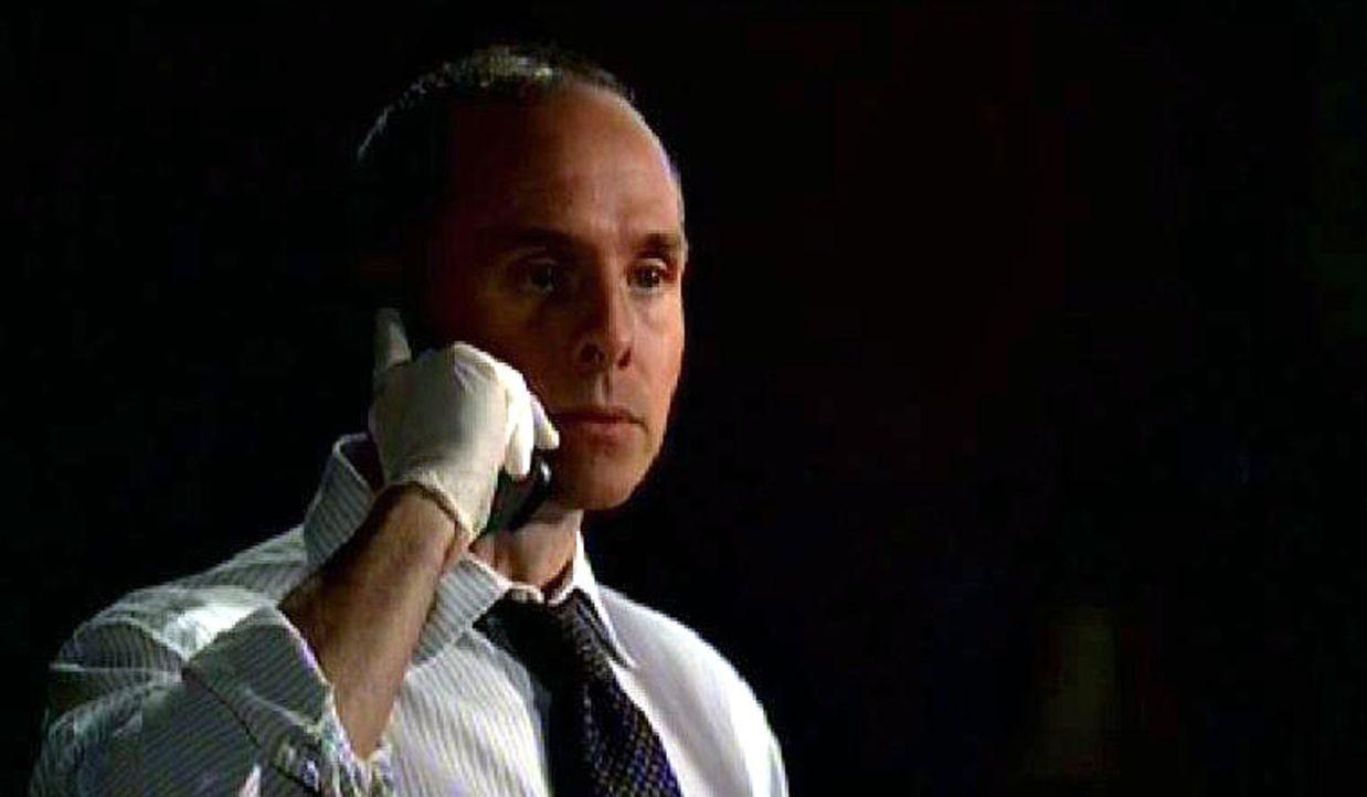 Detective Ronnie Baleman (Paul Schulze), der seinen Bruder bei der Selbstmordserie verlor, hat seine eigene Theorie: Ein Serienmörder inszeniert di... - Bildquelle: Touchstone Television