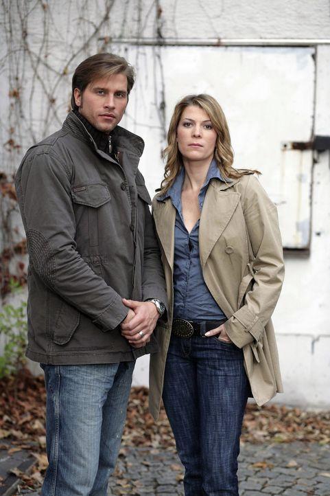 Sebastian Thiele (l.) und Katja Hansen (r.) - Bildquelle: Sat.1