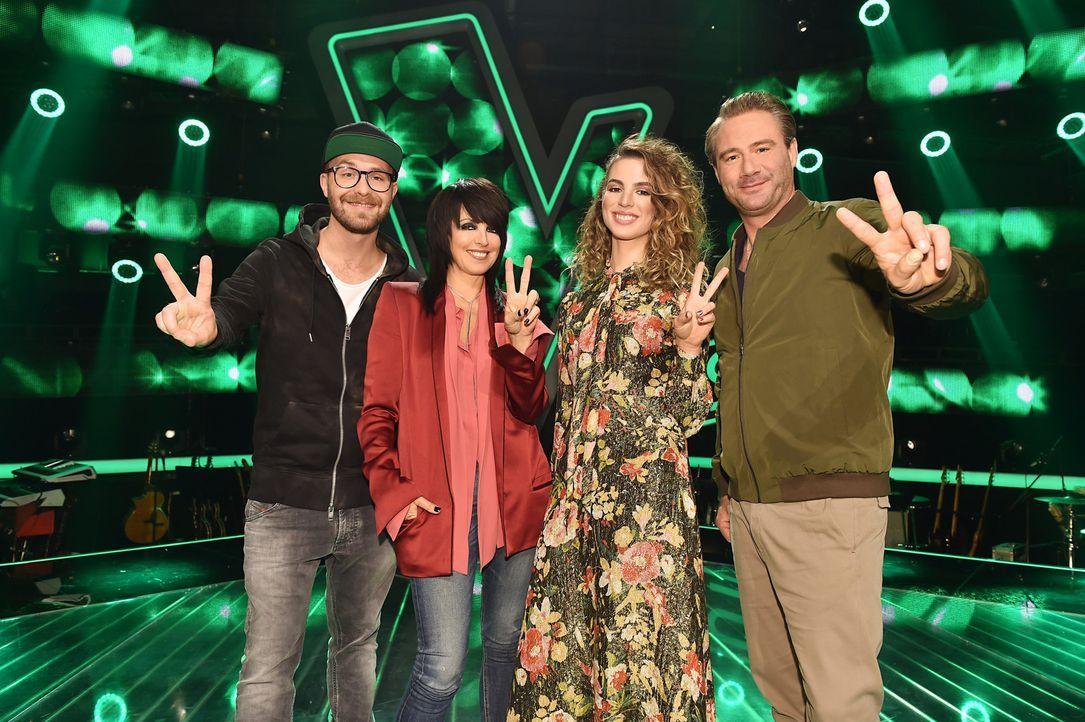 """Die Coaches von """"The Voice Kids"""": (v.l.n.r.) Mark Forster, Nena, Larissa und Sasha ... - Bildquelle: Richard Hübner SAT.1"""
