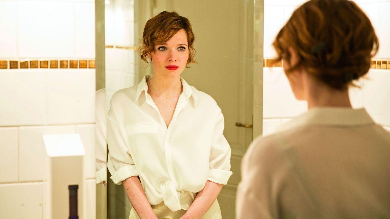 Clara (Karoline Herfurth) - Bildquelle: Warner Bros.