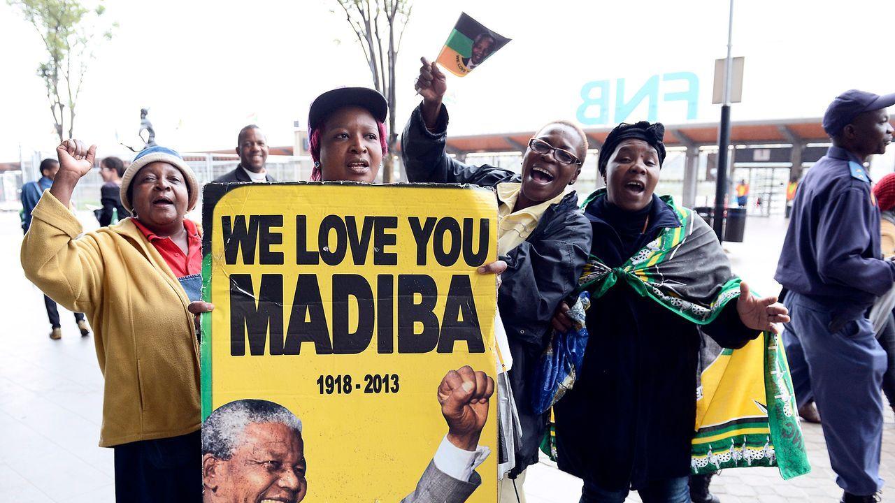 Beerdigung-Nelson-Mandela-13-12-10-02-AFP - Bildquelle: AFP