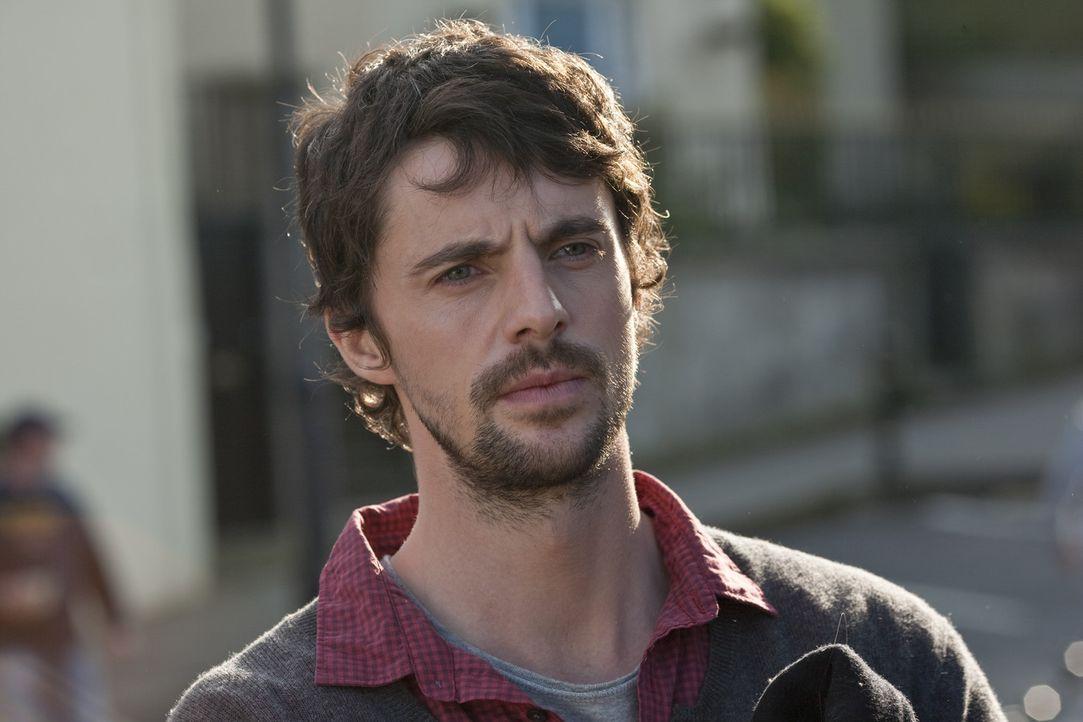 Um sein Unternehmen zu retten, begibt sich Declan (Matthew Goode) mit der arroganten Anna Brady auf den Weg nach Dublin und bereut es sehr schnell ... - Bildquelle: 2010 Universal Studios