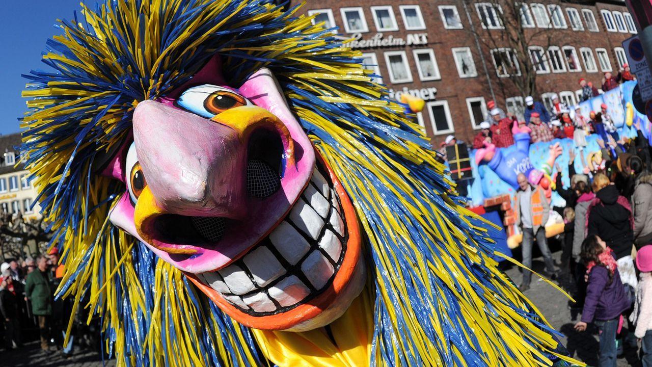 karneval-fasching-kostuem-maske-11-03-07-dpa