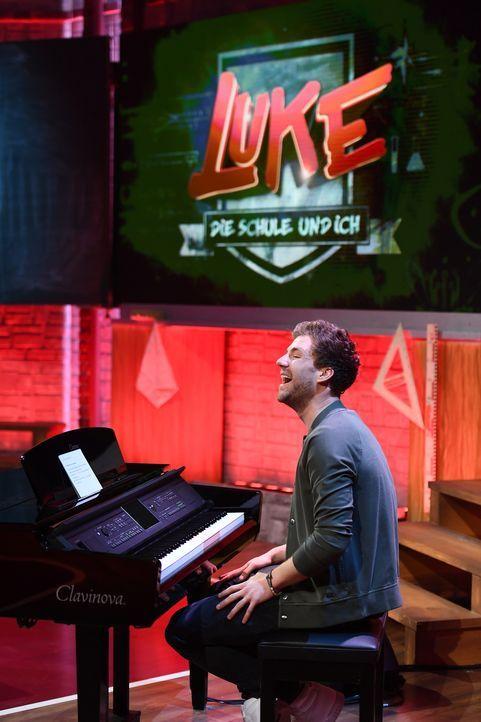 Allround-Talent Luke Mockridge bedient mit seinen Fähigkeiten jedes Fach. - Bildquelle: Willi Weber SAT.1/Willi Weber