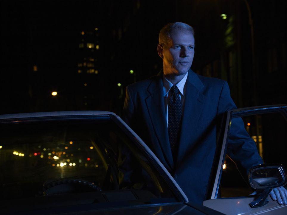 (1. Staffel) - Sein Misstrauen gegenüber seinen Nachbarn wächst von Tag zu Tag: FBI-Agent Stan Beeman (Noah Emmerich) ... - Bildquelle: 2013 Twentieth Century Fox Film Corporation and Bluebush Productions, LLC. All rights reserved.