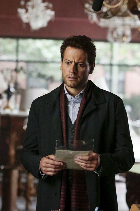 Wie andere Gerichtsmediziner auch hält es Dr. Morgan (Ioan Gruffudd) nicht lange in der Leichenhalle aus. Am liebsten geht er mit Detective Jo Marti... - Bildquelle: Warner Brothers