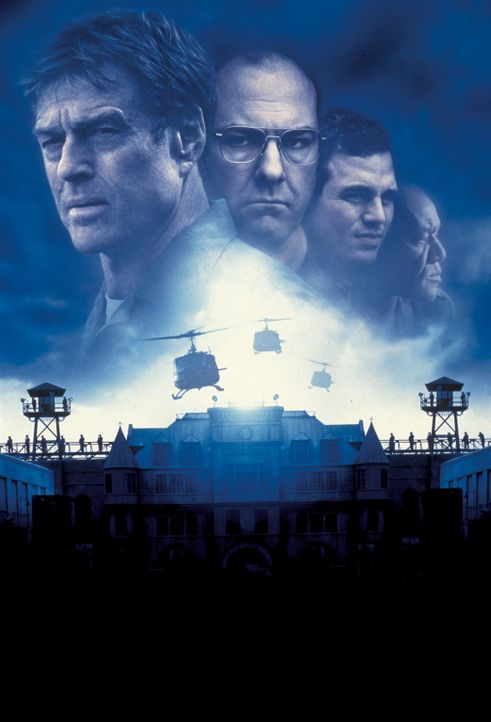"""""""Die letzte Festung"""" mit (v.l.n.r.) Robert Redford, James Gandolfini, Mark Ruffalo und Delroy Lindo - Bildquelle: TM &   2001 DREAMWORKS LLC. All Rights reserved."""