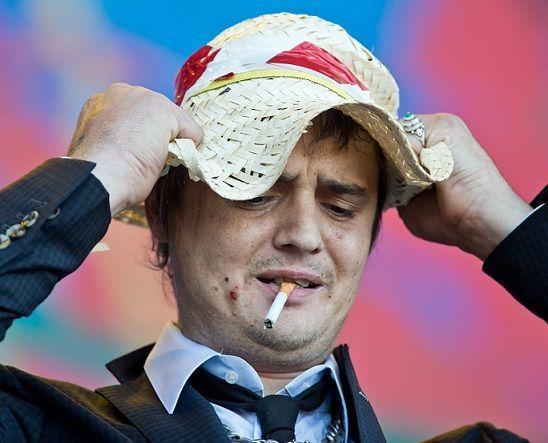 ... so sieht der 35-jährige Rockstar nämlich im Jahr 2014 aus! Der ungesunde... - Bildquelle: dpa: Daniel Karmann