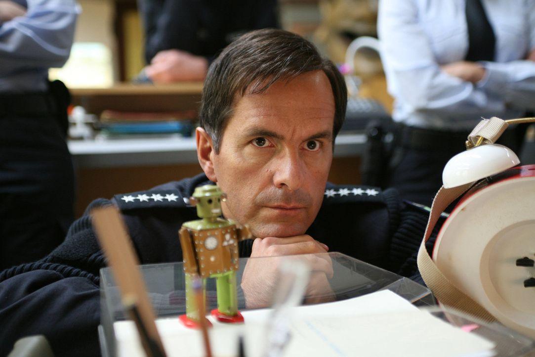 Während Rick (Christoph Maria Herbst) alles versucht, um Carla zurückzuerobern, findet seine Angebetete alle seine Aktion einfach nur peinlich. Al... - Bildquelle: Volker Roloff SAT.1
