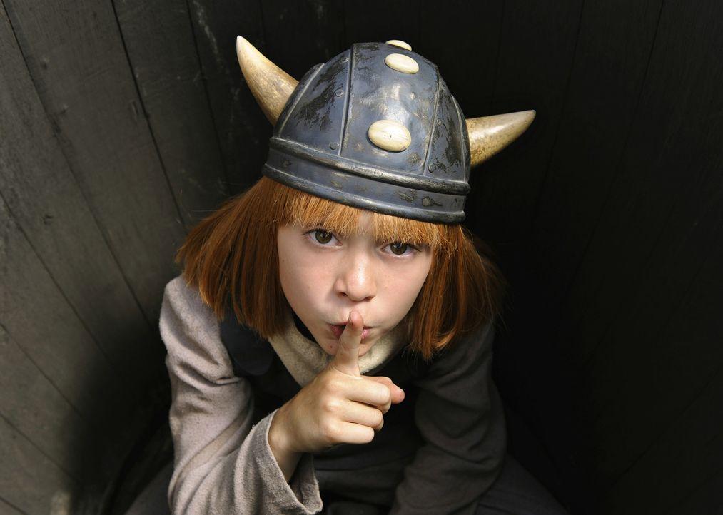 Der kleine Wickie (Jonas Hämmerle) lebt mit seinen Eltern im Wikingerdorf Flake. Anders als die anderen Wikinger, die von Natur aus stark, unerschr... - Bildquelle: 2009 Constantin Film Verleih GmbH