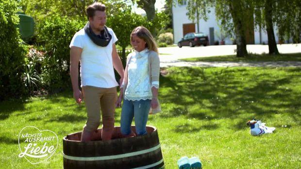 Nächste Ausfahrt Liebe - Nächste Ausfahrt Liebe - Weinprinzessin Trifft Kartoffelbauer