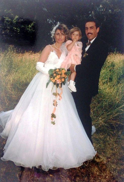 Es ist schon einige Jahre her, dass sich das Brautpaar Döres das Ja-Wort gegeben hat. Jetzt soll dieser schöne Tag noch einmal wiederbelebt werden .... - Bildquelle: privat